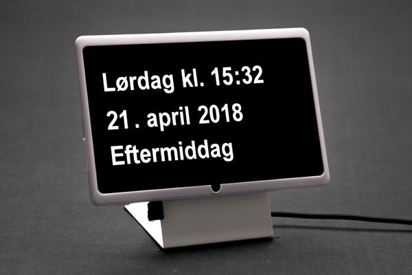 Dintido - digitalt kalender-ur på dansk. Udviklet til ældre, personer med demens og svagtseende.